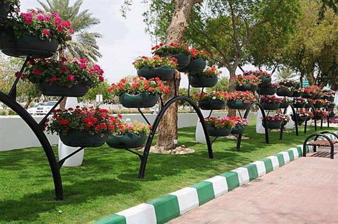 horta e jardim em pneus : horta e jardim em pneus:Recycled Tire Planters