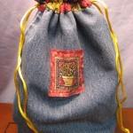 bolsa feita com calca jeans usada