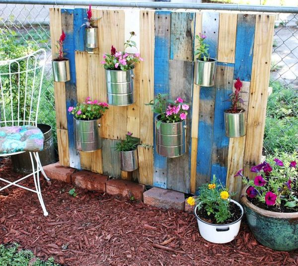 jardim vertical latas:DIY Vertical Garden with Pallet