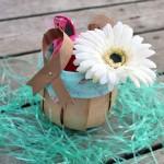 Esta cestinha de saco de papel reutilizado é linda e fácil de ser feita (Foto: blog.craft-e-corner.com)