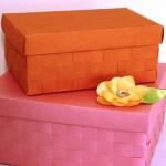 Decorar uma caixa de sapato com papel pode se bem diferente, se você fizer um trançado (Foto: lifeyourway.net)