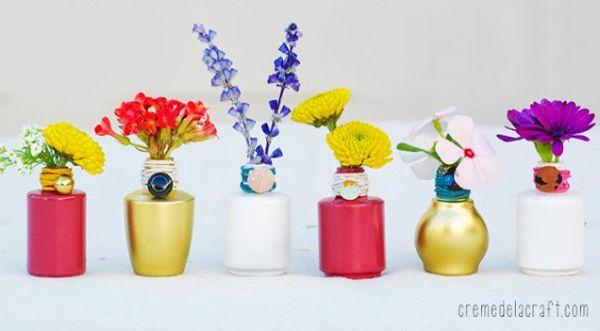 Esta reciclagem com vidrinhos de esmalte é linda e delicada (Foto: cremedelacraft.com)