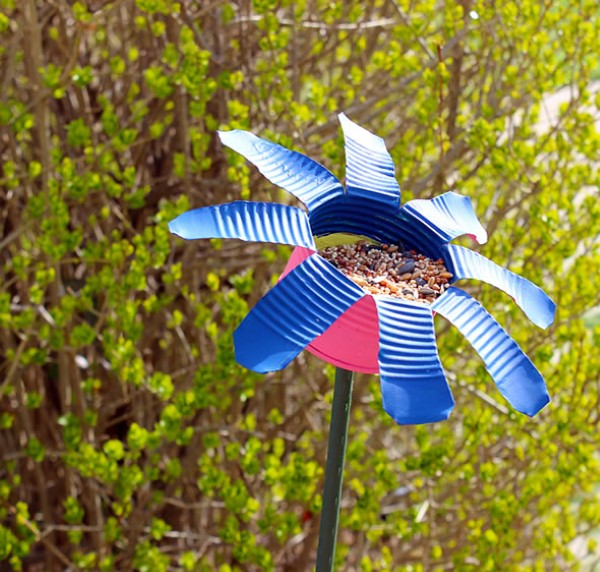 flor reciclada com copo de plástico