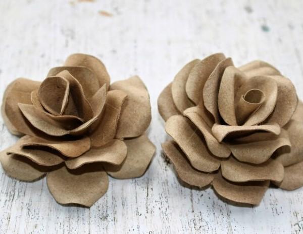 flor com rolo de papel higienico