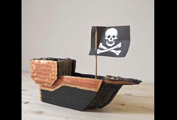 navio de papelão