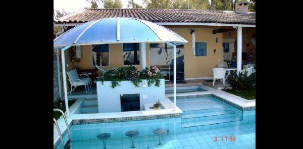 antena parabólica na piscina
