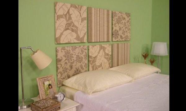 cabeceira de cama de placas de madeira