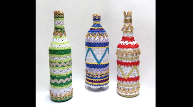 decoração de garrafa com passamanarias
