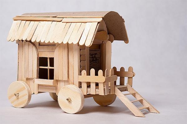 artesanato com palito de picolé carroça
