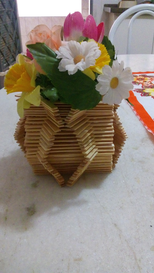 artesanato com palito de picolé vaso