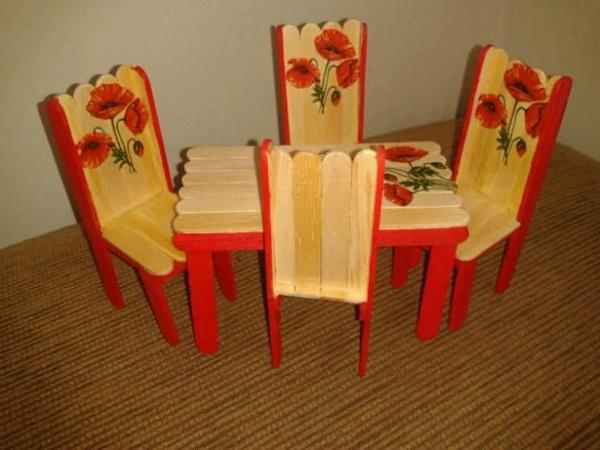 artesanato com palito de picolé mesa