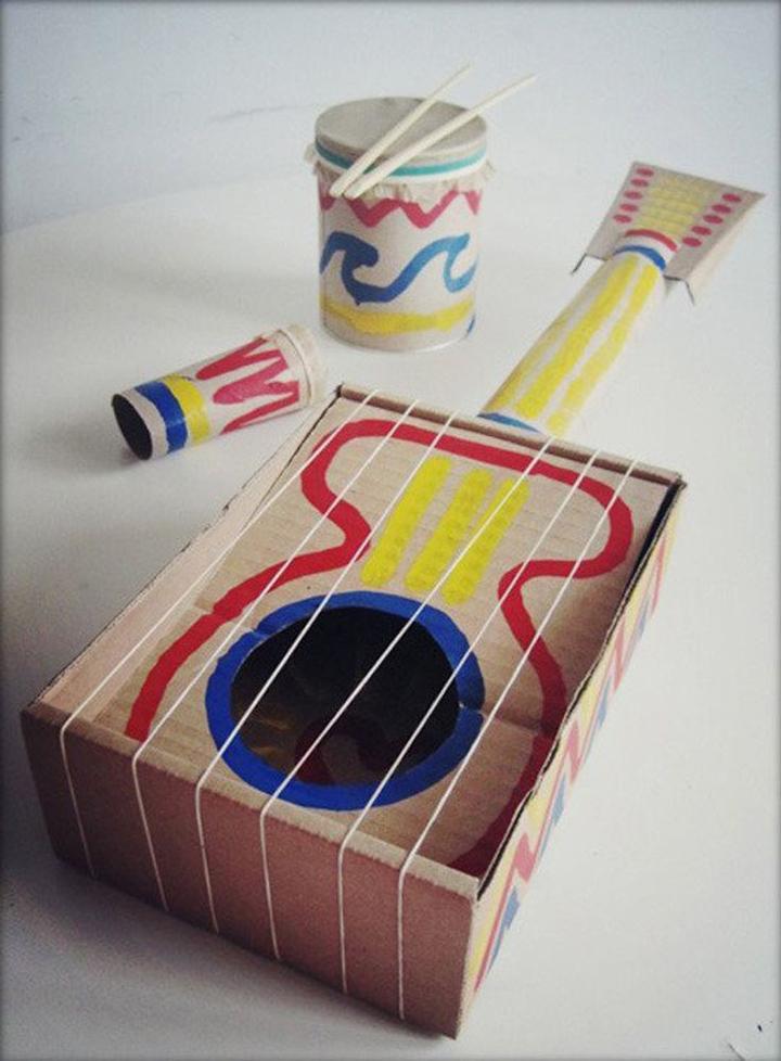 artesanato com papelão viola