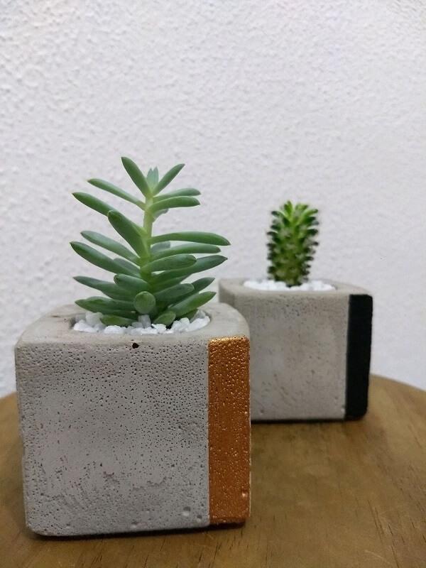 Vaso-de-cimento-para-colocar-plantas