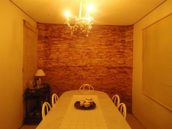Essa parede foi feita com filtros de café usados (Foto: Divulgação)
