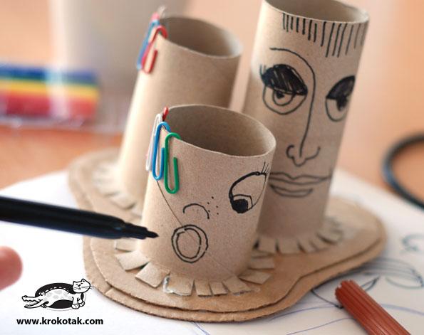 Reciclagem no Meio Ambiente Porta-canetas diferente com rolos de papel