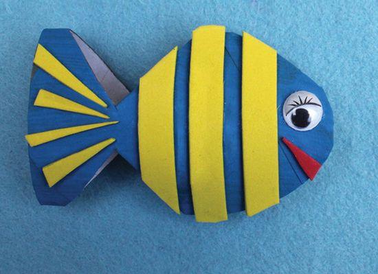Este peixinho feito com rolo de papel higiênico é simpático e muito fácil de ser feito, perfeito para trabalhar com crianças (Foto: thecrafttrain.com)