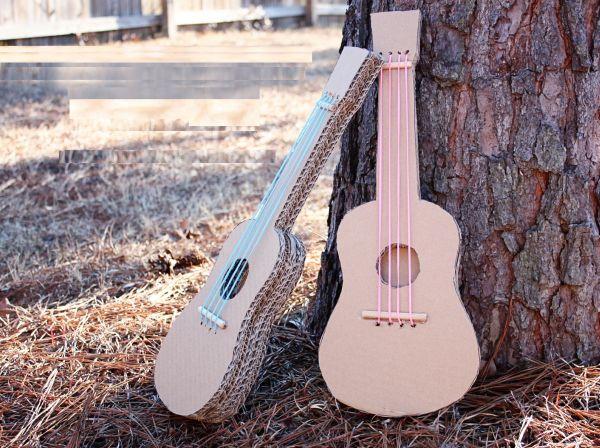 Este violão de papelão vai ser a alegria de seus filhos (Foto: makeit-loveit.com)