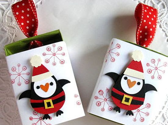 Enfeites de Natal feitos com caixa de fósforo pode ser o que faltava para deixar o seu décor de final de ano mais interessante (Foto: creationsonpaper.blogspot.pt)