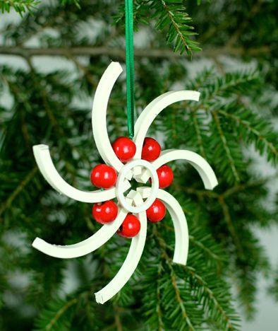 Faça enfeites de Natal de tubos de PVC e surpreenda a todos (Foto: ashbeedesign.com)