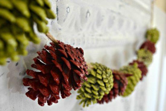 Decoração de Natal com pinhas é diferente e deixa a sua casa no clima do Natal (Foto: simplicityinthesouth.com)