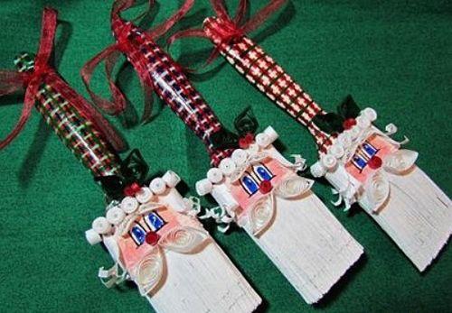 Enfeites de Natal feitos de pincéis pode ser o que faltava para renovar o décor de seu lar neste Natal (Foto: suzyssitcom.com)