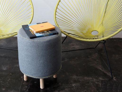 Você consegue reaproveitar um balde de tinta na decoração e ter um puff (Foto: ohohblog.com)