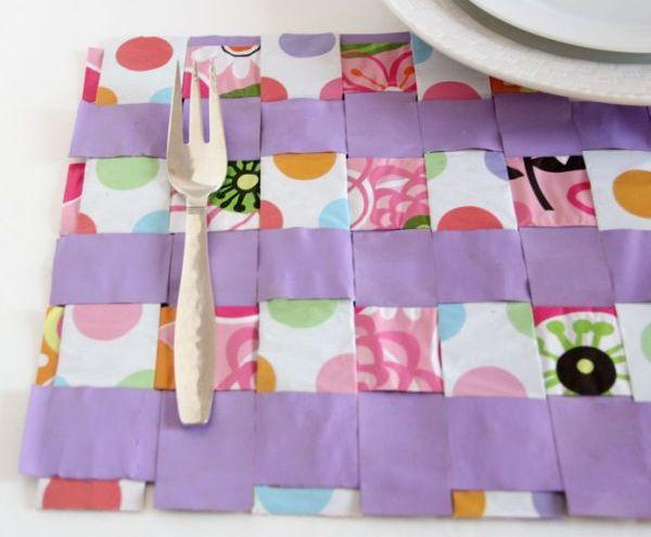 Jogo americano de papel é ótima saída para quem está com orçamento apertado (Foto: momitforward.com)