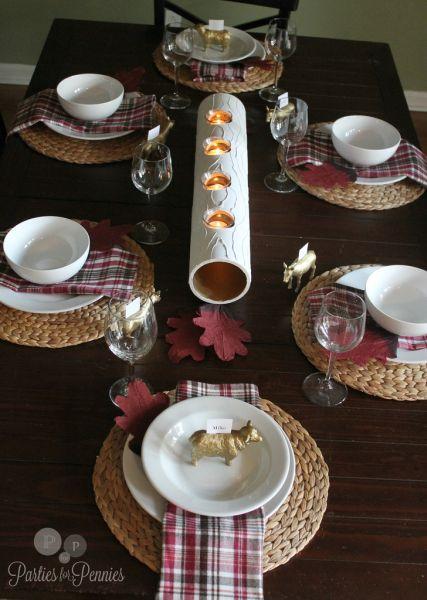 Centro de mesa de cano de PVC é diferente, mas fácil de fazer (Foto: partiesforpennies.com)
