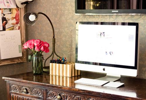 Porta-treco de rolo de papel higiênico pode sim ser requintado (Foto: lilyshop.com)