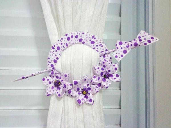 Prendedor de cortinas feito com CD pode ter o estilo que você quiser (Foto: sinimbu.com.br)