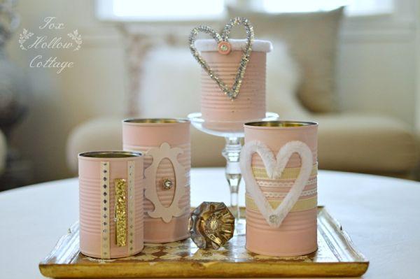 Para ter um diferente organizador, basta reaproveitar latas de alumínio (Foto: foxhollowcottage.com)