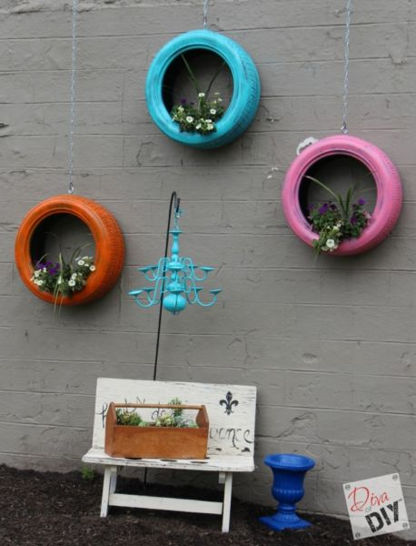 Invista nesta decoração de parede com reaproveitamento de pneus para repaginar o visual da área externa do seu lar (Foto: muyingenioso.com)