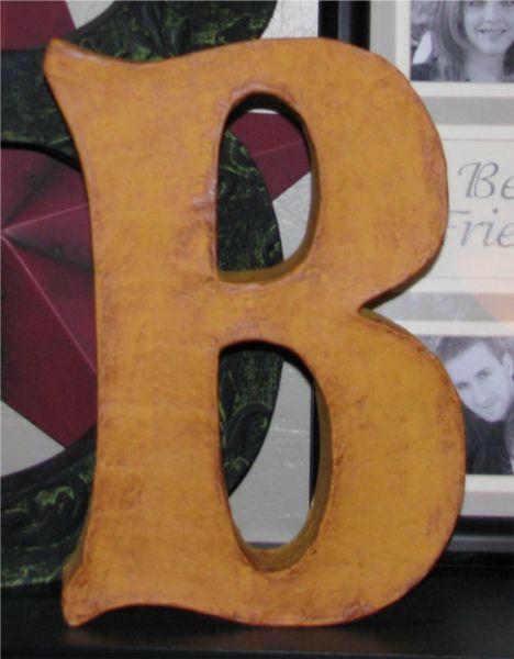 Fazer letras 3D reaproveitando caixas de cereal é fácil (Foto: greenzebracrafts.com)