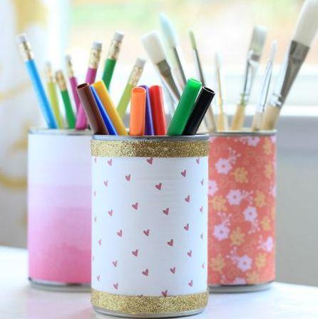 Esta ideia rápida e barata para porta-lápis pode ter o estilo que você desejar (Foto: myfrugaladventures.com)