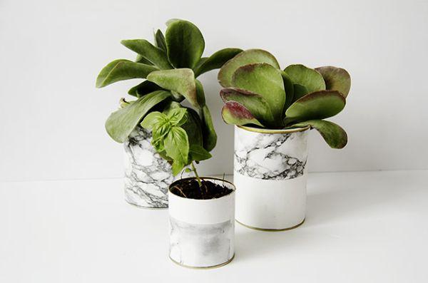 Estes vasos de plantas com material reciclável são lindos e baratos (Foto: fallfordiy.com)