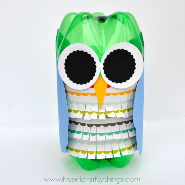 Esta linda ideia para fazer uma coruja de garrafa pet pode ter o seu estilo (Foto: iheartcraftythings.com)