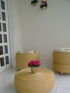Esta ideia de jogo de varanda feito com reciclagem é linda e sustentável ao mesmo tempo (Foto: amocraft.blogspot.com.br)