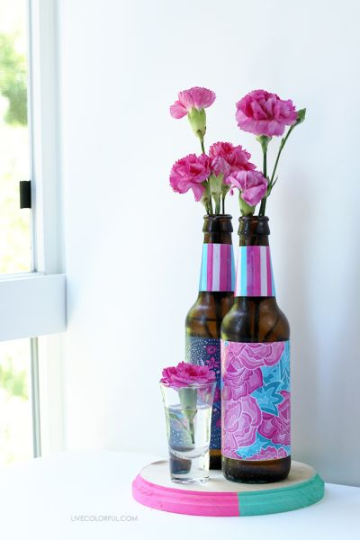 Invista pesado nesta decoração simples com reciclagem de garrafas (Foto: livecolorful.com)