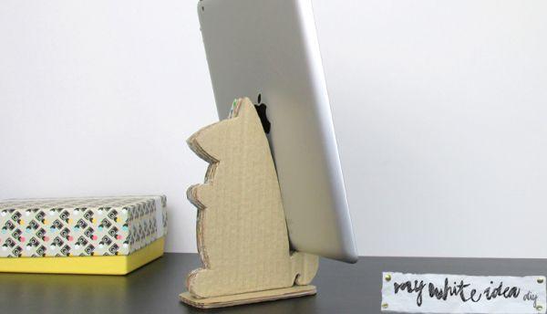 Esta ideia de suporte de mesa reciclado para tablet é fofa e muito linda (Foto: mywhiteideadiy.com.es)