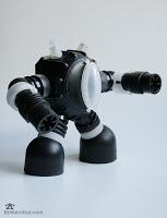 Não faltam ideias criativas de robôs feitos com material reciclado (Foto: bottlerobot.blogspot.com.br)