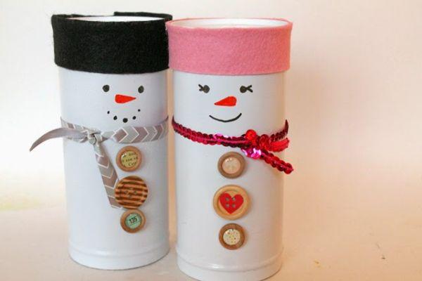 Esta lembrancinha infantil de Natal com reciclagem pode ter os enfeites que você quiser (Foto: punkprojects.com)