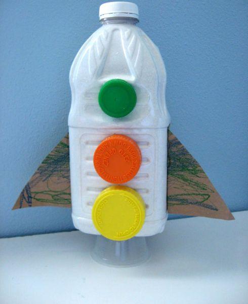 Esta reciclagem infantil com garrafa pode também ter outros estilos (Foto: notimeforflashcards.com)