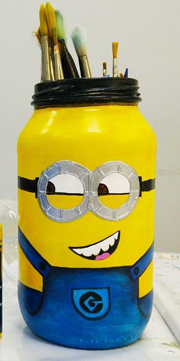 Passo a Passo de Reciclagem para Festa Minions com Potes de Vidro