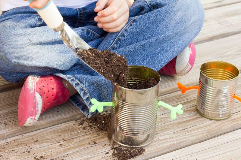 Passo a Passo de Reciclagem Infantil com Lata