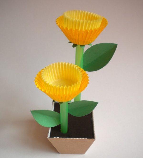 flor com forminhas reciclada