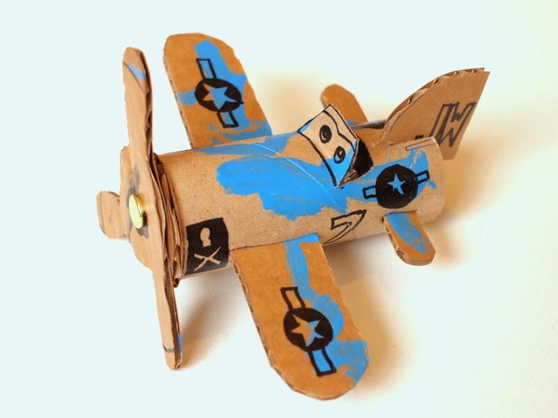 avião de material reaproveitado passo a passo