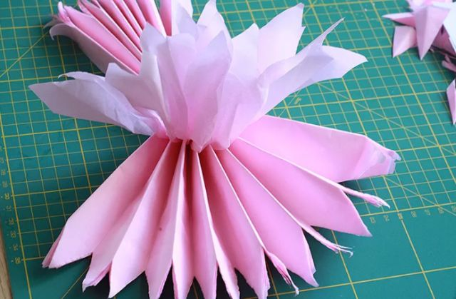 pompons de papel fáceis