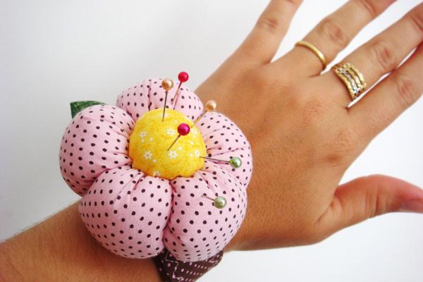 alfineteiro artesanal flor