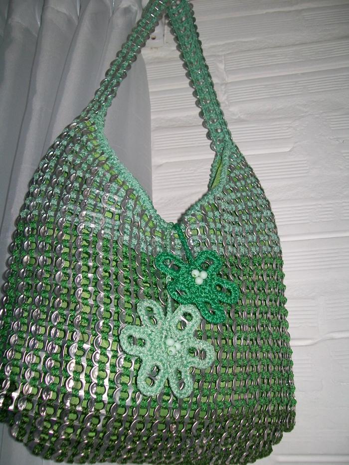 reciclagem com lacre bolsa verde