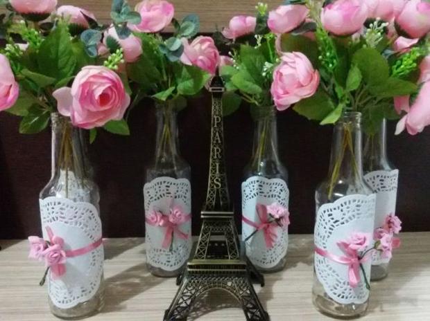 decoração de garrafa com toalhinha